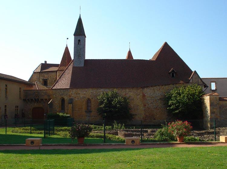 Vue magnifique d'une Eglise à Charlieu