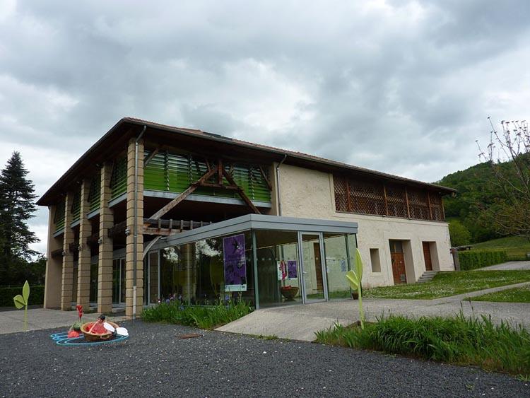 Vue exterieur du batiment du grand séchoir à noix AOP de Grenoble