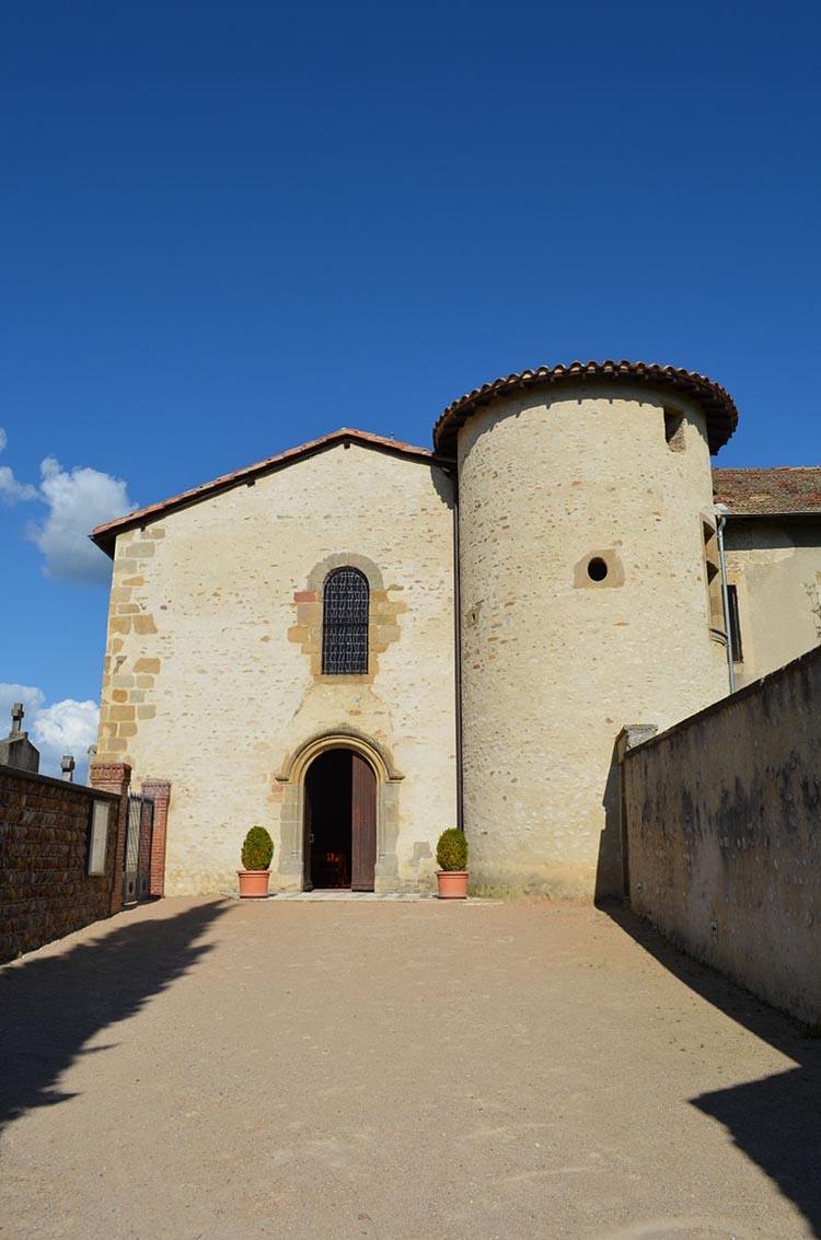 Vue de l'entrée du chateau de Revel Tourdan