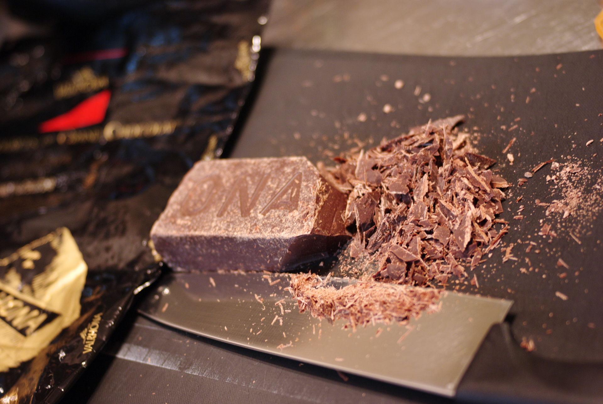 Chocolat coupé finement de Valrhona